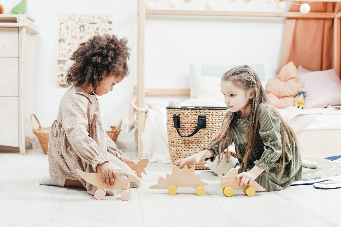 7 Tips Teach Kids to Play by Themselves